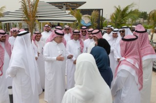 H.E. the Minister Visits SMEs in the Eastern Region